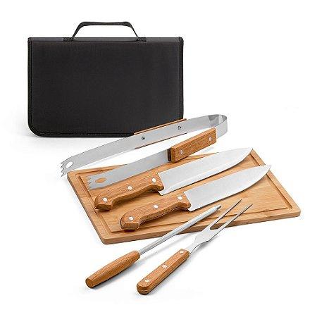 Kit churrasco Aço inox e madeira Tábua em bambu e 5 peças em estojo de 210D Food grade