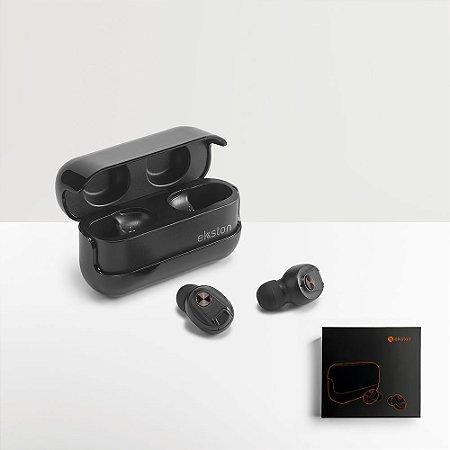 Os WIRETAP são uns Auriculares Wireless em metal e ABS de design arrojado e distinto Ao permitir o isolamento de som e ao serem resistentes à água, os WIRETAP distinguem-se pela sua qualidade e pela suas suas funcionalidades Fornecidos em caixa presente