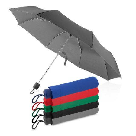 GC1015 - Guarda-chuva com cabo plástico e haste de metal, com capa protetora, abertura manual, tecido poliéster, com oito varetas.