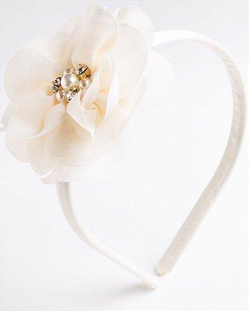 Tiara Camélia Off White Flor De Voal Apliques No Meio