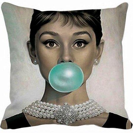Almofada Audrey Hepburn Chiclete