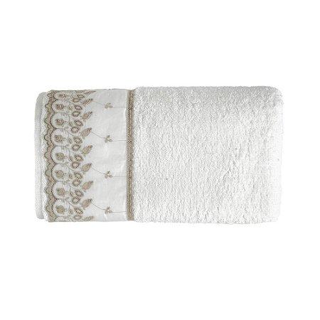 Toalha de Banho Karsten Fio Penteado Fresia Branco/Bege