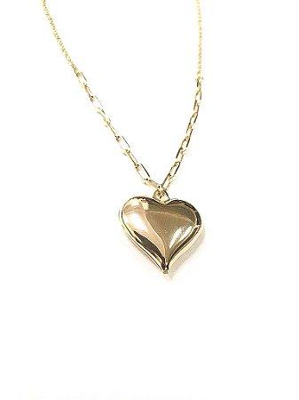 Gargantilha folheada a ouro com  detalhe em corrente Cartier pingente de coração