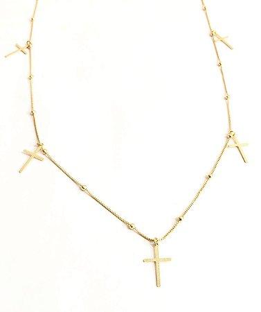 Gargantilha folheada a ouro 18k com pingentes cruz