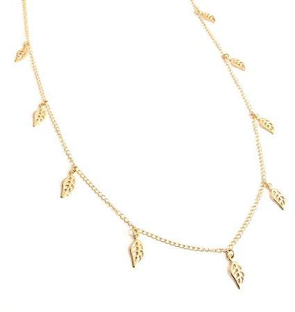 Gargantilha folheada a ouro com pingente de folhas ( Medida 80 cm)