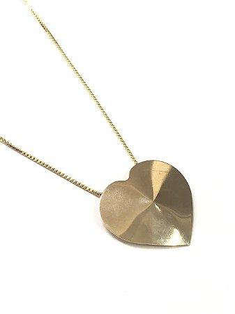 Gargantilha folheada a ouro com pingente coração