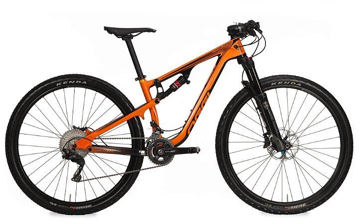 Bicicleta Aro 29 OGGI Cattura Pro Full 2019 22V Carbon Laranja