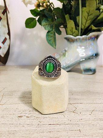 Anel prateado com Pedra  Verde