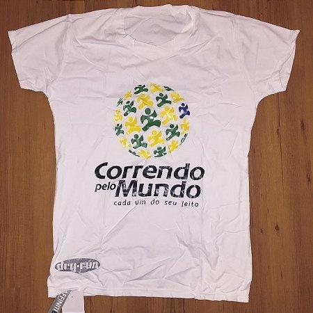 CAMISETA CORRENDO PELO MUNDO - LINHA DRY-RUN - 100% POLIAMIDA - FEMININA BABY LOOK - BRASIL - TAM. P