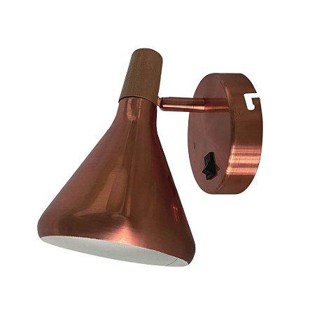 Arandela Horn Metal e Madeira 18x12,5x19cm 1xG9 40W Bivolt Cor Cobre Casual Light QAR1466CO