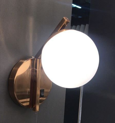 Arandela Com Interruptor Aluminio  Esfera Bola De Vidro Moderno 26x12x18cm Old Artisan AR5342