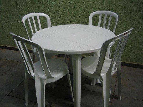 Venda de Mesa Redonda com 4 Cadeiras de Plástico na cor Branca