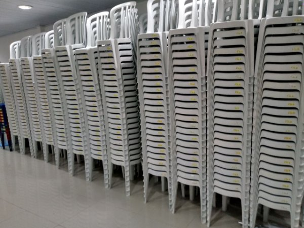 Venda de Cadeira Branca sem Braço para até 182kg