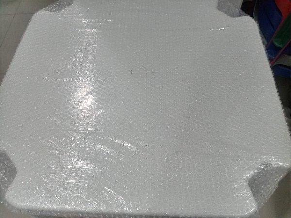 kit com 7 Mesa 70x70 Monobloco de Plástico Empilháveis Branca
