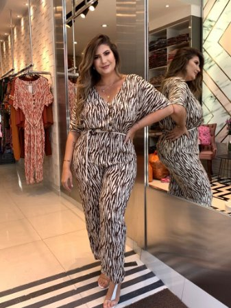 Macacão Animal Print Plus Size