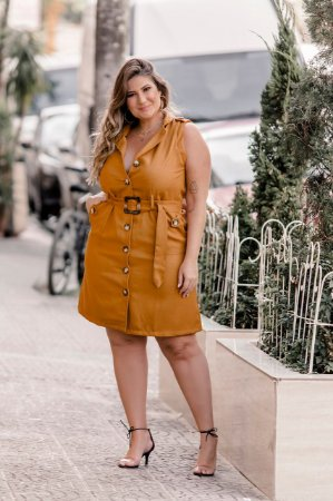 Vestido Plus Size Mostarda