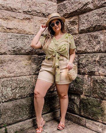 Conjunto Blusa e Shorts Plus Size Crú