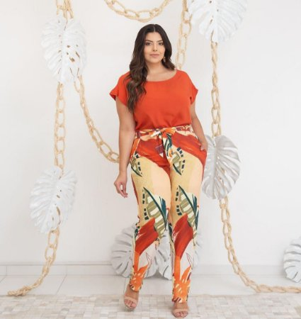 Calça Estampada Plus Size Chloe Coral