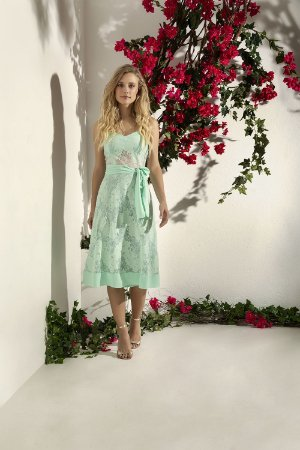 Vestido Midi Renda Floral
