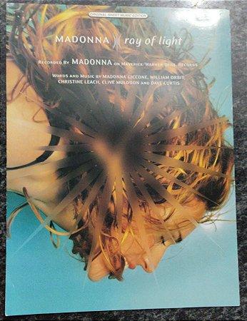 RAY OF LIGHT - Partitura para piano,vocal e acordes para violão/guitarra - Madonna