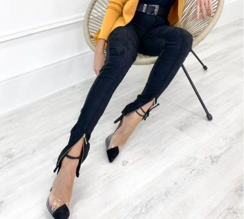 Through The Weekend - Calça Skinny de Bengaline Suede em Preto