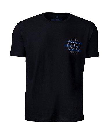 Camiseta Made in Mato Masculina Made On Preta com Estampa nas Costas