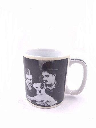 Caneca Dogs Life Chaplin Trevisan