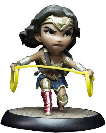 Action Figure Q-fig - DC Comics - Mulher Maravilha