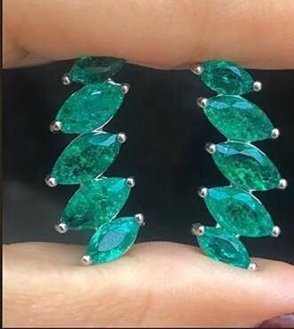 Ear Cuff Navetes Pedra Verde