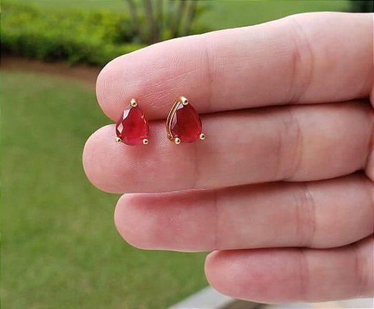 Brinco Gota Pedra Vermelha