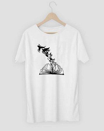 Camiseta Livro e Pássaros