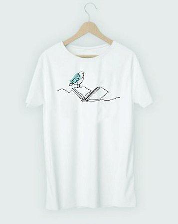 """Camiseta Literária """"Passarinho e Livro"""""""