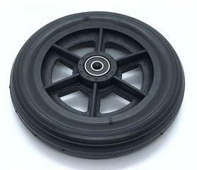 Roda aro 6 preta p/ rolam c/ pneu mac preto