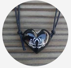 Aromatizador Pessoal - Coração Preto - Flor de Lotus