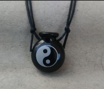 Aromatizador Pessoal - Cantil Preto - Símbolo Yin Yang