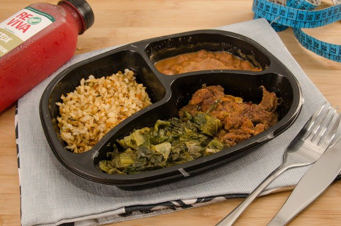 Picadinho de Carne, com arroz integral, feijão e escarola 280g