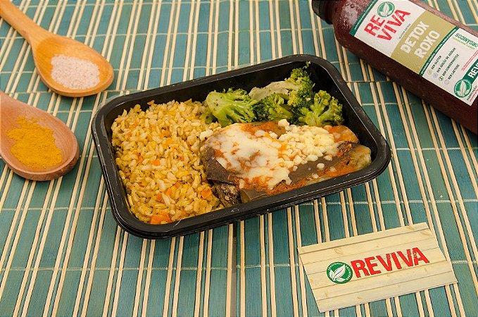 Lasanha de Berinjela com arroz integral e Brócolis