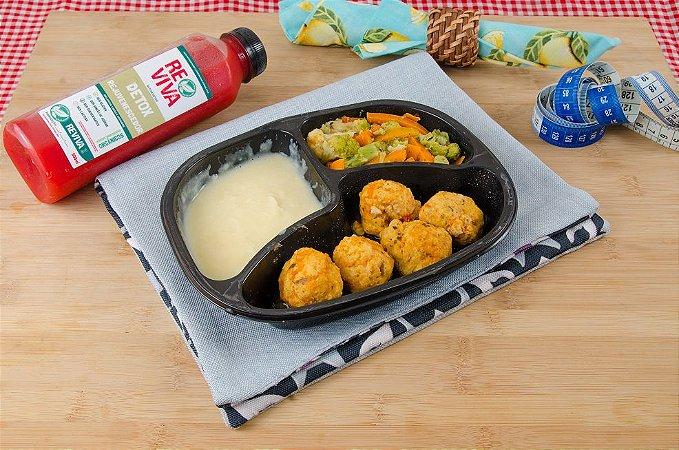 Almondega de Frango com purê de batata e legumes 350g