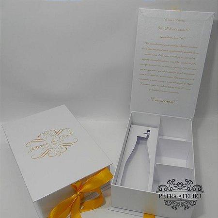 Caixa de Padrinhos Branca com Amarelo Ouro