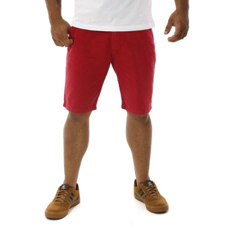 Bermuda Masculina de Sarja Lisa Vermelha