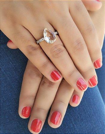 Anel Solitário Forma de Gota Cristal Branco Folheado a Ouro