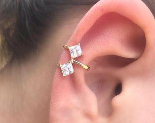 Brinco Piercing Fake Orelha Branco Cartilagem Banho Ouro Par