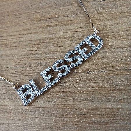 Colar Pingente Cravejado Blessed Abençoada Folheado a Ouro