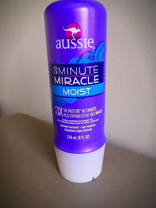 "AUSSIE    3  MINUTE MIRACLE   ,"" MOIST ''    236 ML , IMPORTADO DOS E.U.A"