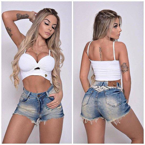 Short Jeans com Detalhe em Renda