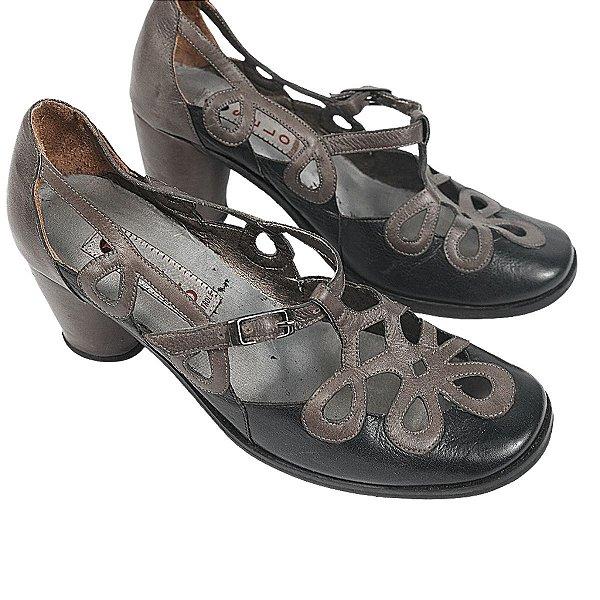 Sapato Selo de controle preto e cinza 35