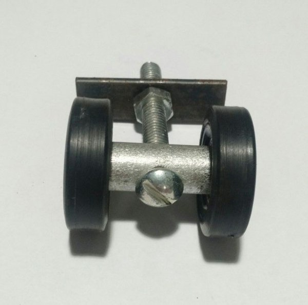 Rodízio Pantográfica Simples Com Rolamento Eixo 15 x 44 mm - Preto