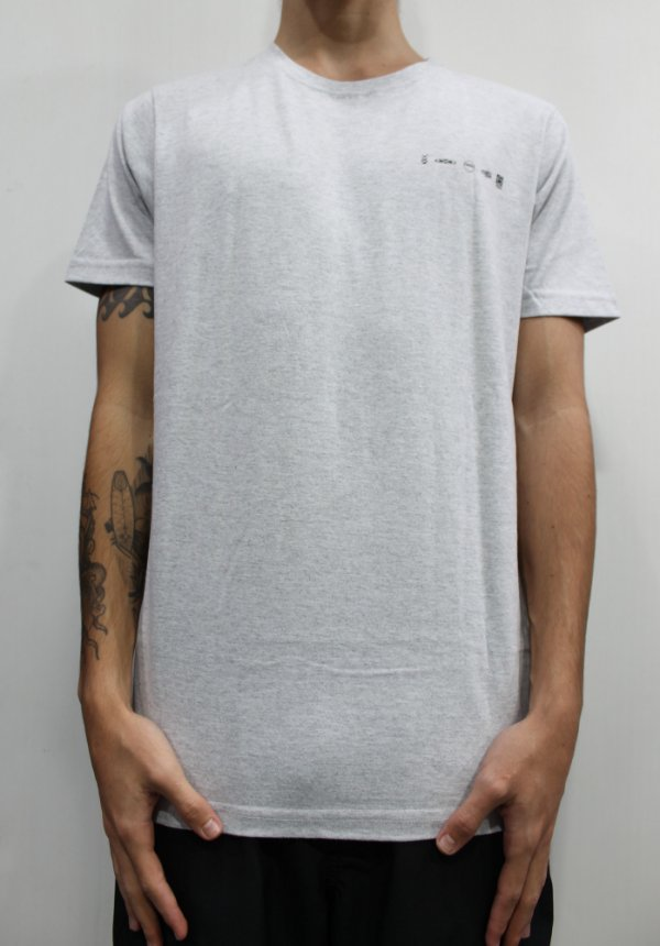 Camiseta South To South Logos