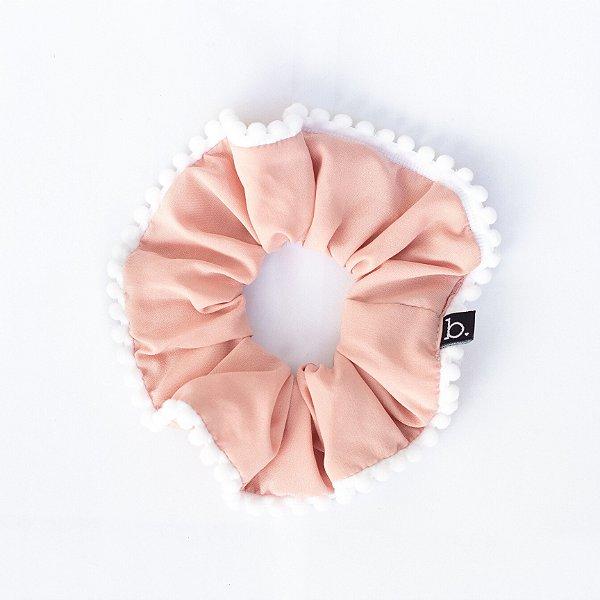 Scrunchie De Tecido Rosa Com Pompom