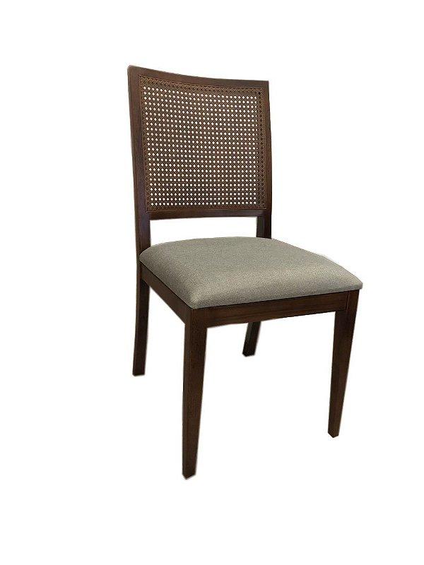 Cadeira vitoria tela sextavada